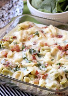 Wij zijn zeker van twee dingen: kaas is heerlijk en pasta is leven. Deze twee ingrediënten samen zijn dan ook ongetwijfeld een gouden combinatie. Hoewel we niet ...
