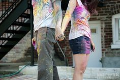 washington dc offbeat engagement pictures anniversary colored powder paint fight (1)