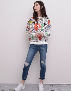 Pull&Bear - woman - sweatshirts - sweatshirt with an all-over looney tunes print - ice - 05590348-V2015