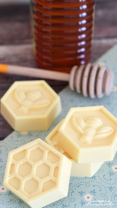Quick and Easy Honey & Milk Soap - http://www.happinessishomemade.net