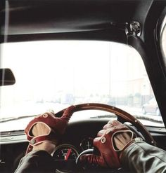 Driving gloves are classic piece of style. I'd love to pair red leather driving gloves with the #HTCOneRed