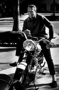 Just a Car Guy: Steve McQueen and Paul Newman. both motorbike riders, when I worked in Manhattan, I was crossing the street next to Macy's and there at the curb stopped at a light was Newman on a motorcycle - Classic Hollywood, Old Hollywood, Hollywood Actor, Paul Newman Joanne Woodward, I Love Cinema, Triumph Motorcycles, Triumph Motorbikes, Indian Motorcycles, Rat Rods