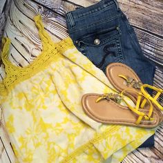"SZ 10 ROCK & REPUBLIC KASANDRA JEANS Great pair of gently used jeans. Inseam 31"" rise 9"" Rock & Republic Jeans Boot Cut"