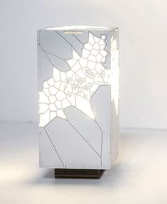 Voronoi and Delaunay Table Light by Mariam Ayvazyan - Besten Deko Parametric Architecture, Parametric Design, Light Table, Lamp Light, Table Lighting, Laser Cut Lamps, Laser Cut Plywood, Style Japonais, Decoration Home
