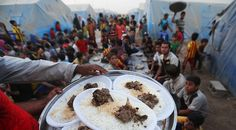 Newsela | A rush for free food by Iraqis displaced by a growing conflict