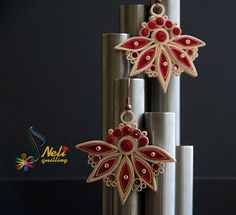 Neli is a talented quilling artist from Bulgaria. Her unique quilling cards bring joy to people around the world. Quiling Earings, Paper Quilling Earrings, Neli Quilling, Quilled Roses, Quilling Paper Craft, Paper Crafts, Quilling Patterns, Quilling Designs, Quilling Ideas