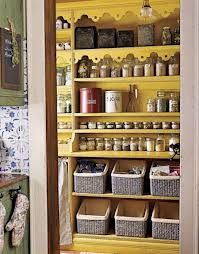 Love these shelf 'built-ins' and the basket organization