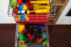 Wer nicht zu einem Putzfimmel neigt und die lästige Schrubberei diverser Alltagsdinge gern meidet, dürfte in Zukunft die heimische Geschirrspülmaschine mit ganz anderen Augen betrachten. Sie kann nämlich mehr, als nur Gläser und Suppenschüsseln sauber machen.