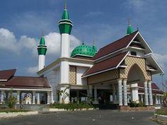 Masjid Agung Al-Kautsar di Kendari, Provinsi Sulawesi Tenggara, Indonesia
