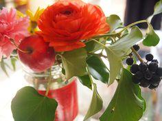 orange ranunculus,pink carnation