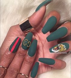Gucci this and Gucci that. #nails #naildesigns