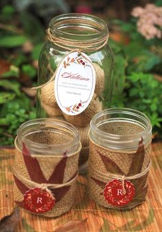 DIY Wedding Crafts : DIY Autumn Leaf Candle Centerpiece