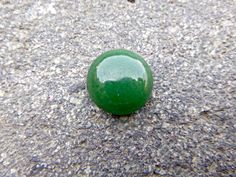 Genuine Peruvian green Serpentine Gemtstone. Pure Peruvian Polished Round Green Serpentine for jewelries - pinned by pin4etsy.com