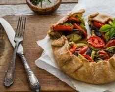 Recette de Tarte rustique à la ratatouille Ratatouille, One Pot, Sweets, Chicken, Cooking, Healthy, Quiches, Food, Skinny Kitchen