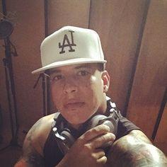 Daddy Yankee @daddyyankee Instagram photos | Websta (Webstagram) Puerto Rico, Puerto Rican Men, Daddy Yankee, Puerto Rican Singers, The Big Boss, Urban Music, Papi, Baby Daddy, American Singers