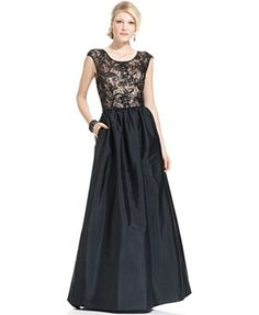 Lace dress with full skirt. Love.