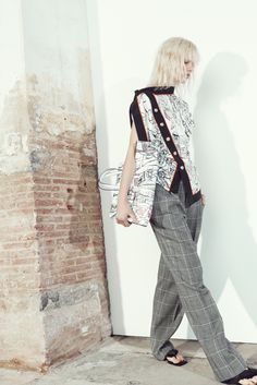 See the complete Emilio Pucci Resort 2016 collection.