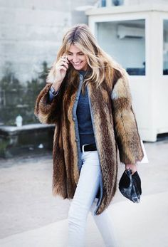 Your Denim Street Style Handbook: 36 Looks To Get You Inspired | Who What Wear Spring Fashion Outfits, Fur Fashion, Fashion Week, Autumn Fashion, Women's Fashion, Petite Fashion, Fashion Bloggers, Paris Fashion, Fashion Trends
