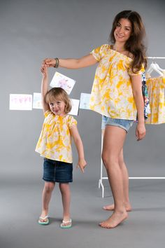 the Same blouse for Mom and child - Yellow la playa blouse - Set of loose beach blouses comfortable with variable neckline www.theSame.eu
