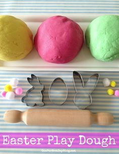 Easter play dough activities and an easy home made play dough recipe. Gorgeous colors!