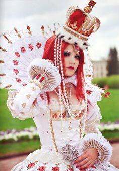 Queen of Hearts costume inspiration. Alice in Wonderland.