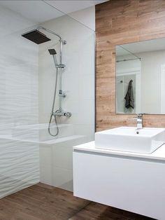 image Wood Bathroom, Bathroom Toilets, Bathrooms, Nordic Design, Nordic Style, Interiores Design, Bathtub, House Design, Instagram