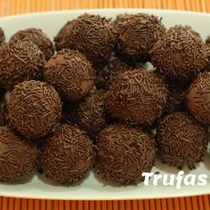 Truffles – Trufas – Spanish Recipe in Spanish & English Tapas Recipes, Greek Recipes, Healthy Recipes, Christmas In Spain, Best Spanish Food, Food 52, Food Pictures, Food Styling, Food To Make
