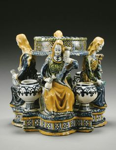 A rare and early Faenza maiolica Inkwell late 15th century.