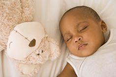 Bébé a 2 mois : Taille, poids et éveil d'un bébé de deux mois
