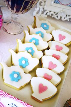 Great tea party cookies #aliceinwonderland #cookies