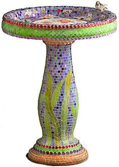 Beautiful custom mosaic birdbath by Cocci & Idee Mosaic Birdbath, Mosaic Garden Art, Mosaic Art, Mosaic Glass, Stained Glass, Glass Art, Mosaic Walkway, Pebble Mosaic, Mosaic Crafts