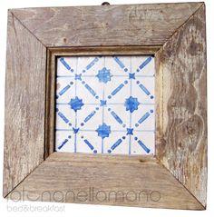 """framed old cilentan tile - antica """"riggiola"""" cilentana in cornice realizzata con legno di recupero di un antico portoncino."""