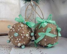 vánoční koule z provázků