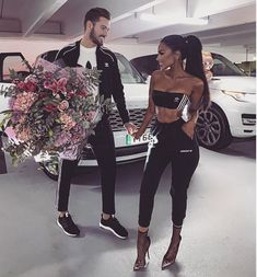 Find images and videos about love, couple and Relationship on We Heart It - the app to get lost in what you love. Matching Couple Outfits, Matching Couples, Fit Couples, Cute Couples Goals, Relationship Goals Pictures, Cute Relationships, Couple Goals, Paar Style, Outfits For Teens