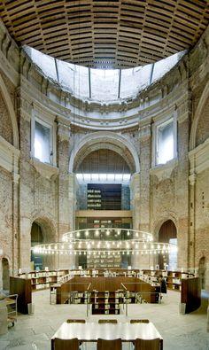 Centro Cultural Escuelas Pías en Lavapiés, Madrid