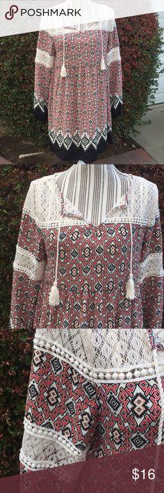 🦄SALE🦄 Adorable flowy dress w/ tassels & lace Good condition Xhilaration Dresses