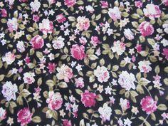 Tissu en coton noir motifs petites fleurs roses 50 x 45 cm : Tissus pour Patchwork par une-histoire-de-mode