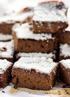 Fudgy Vegan Protein Brownies -- Delicious and healthy brownies 2 ways, with dates or stevia. Latter has only 4 g of carbs and 1.6 g of sugar.