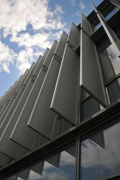 Arch Building, Building Facade, Building Design, Healthcare Architecture, Facade Architecture, Contemporary Architecture, Construction City, Facade Pattern, Aluminium Cladding