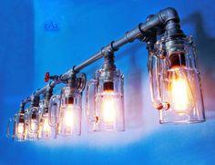 Eitelkeit Licht. Badezimmer-Eitelkeit-Beleuchtungskörper.  Hergestellt aus sechs deutlich schwerer Glas-Bierkrüge und verzinktem Sanitär-Armaturen.  Ungefähre Maße: 60 (lang) x 16 (groß) x 7 Zoll (Tiefe). Äußere Befestigungsflansche sind 3 1/2 Zoll-Runde; Mitte Flansch - 4-1/2 Zoll.  Jede Glaskrug kann gedreht werden, um das Handle zu positionieren.  Gewicht - 40 lbs.  Netzspannung.  Fest verdrahtet. Auf Anfrage kann mit Kabel und Steckdose Stecker erfolgen; wechseln.  Herkömmliche Lampe…