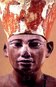 Senusret II from the Nubian-Egyptian 12th Dynasty.. Middle Kingdom - Com Sua Fez/Coroa