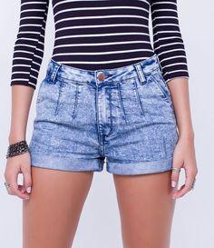 Short feminino  Com bolsos  Barra dobrada  Efeito marmorizado  Marca: Blue Steel  Tecido: jeans  Composição: 71% algodão e 29% poliéster  Modelo veste tamanho: 36       Medidas da modelo:     Altura: 1,75   Busto: 79  Cintura: 63  Quadril: 91     COLEÇÃO INVERNO 2016     Veja outras opções de    shorts femininos.