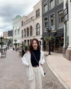 Korean Fashion Summer Look Fashion Korean Girl Fashion, Korean Fashion Trends, Ulzzang Fashion, Korean Street Fashion, Kpop Fashion Outfits, Korea Fashion, Korean Outfits, Look Fashion, Korean Fashion Winter