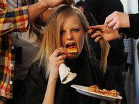 Heißhunger auf Pizza? Das kennen auch Models wie Hanne Gaby Odiele
