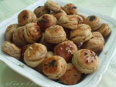 Oškvarkové pagáče s kváskom (fotorecept) Pretzel Bites, Garlic, Muffin, Pizza, Bread, Baking, Vegetables, Breakfast, Food