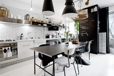 monochrom kitchen ++ via design attractor