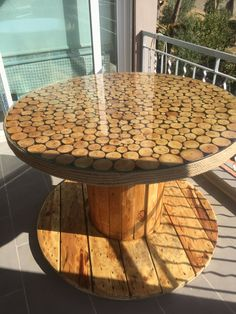 Wooden Spool Tables-My creations at the Rustic Sal - Sezo Bro Diy Cable Spool Table, Cable Reel Table, Wood Spool Tables, Wooden Cable Spools, Spools For Tables, Cable Spool Ideas, Wire Spool, Sewing Tables, Wooden Spool Projects