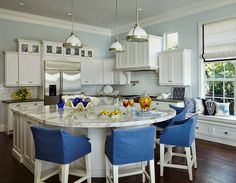island-blue and white kitchen | JMA Interior Decoration
