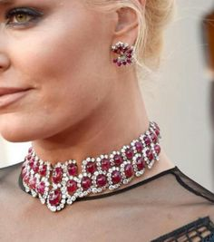 #HighJewellery ruled at #Oscars2018 and especially #Necklaces set with #diamonds and #ColouredGemstones like this chic #RubyAndDiamond #ChokerNecklace from @bulgariofficial heritage collection worn by Lindsay Vonn .#PreetaAgarwa