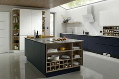 The best kitchen design ideas for your home in This expert trends round up reveals the latest modern kitchen ideas and contemporary kitchen trends from storage to two-tone kitchens. Best Kitchen Designs, Modern Kitchen Design, Interior Design Kitchen, Modern Kitchens, Fitted Kitchens, Contemporary Kitchens, Luxury Kitchens, Kitchen Colour Schemes, Kitchen Colors